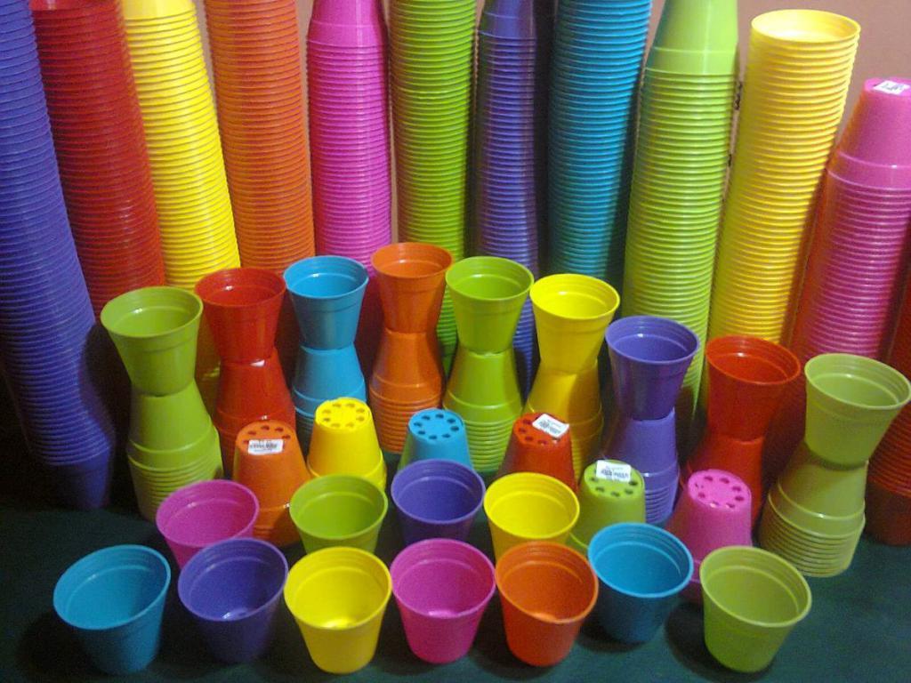 macetas-plasticas-30-unid-n-8-de-colores-747101-MLA20278553314_042015-F